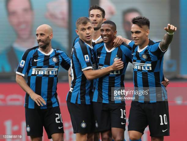 Ashley Young of FC Internazionale celebrates after scoring the opening goal with teammates during the Serie A match between FC Internazionale and...