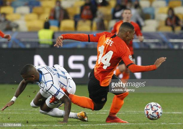Ashley Young of Inter in action against Tete of Shakhtar during the UEFA Champions League Group B football match between Shakhtar Donetsk and Inter...
