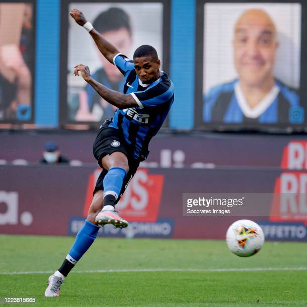 Ashley Young of Internazionale scores the first goal to make it 1-0 during the Italian Serie A match between Internazionale v Brescia at the San Siro...