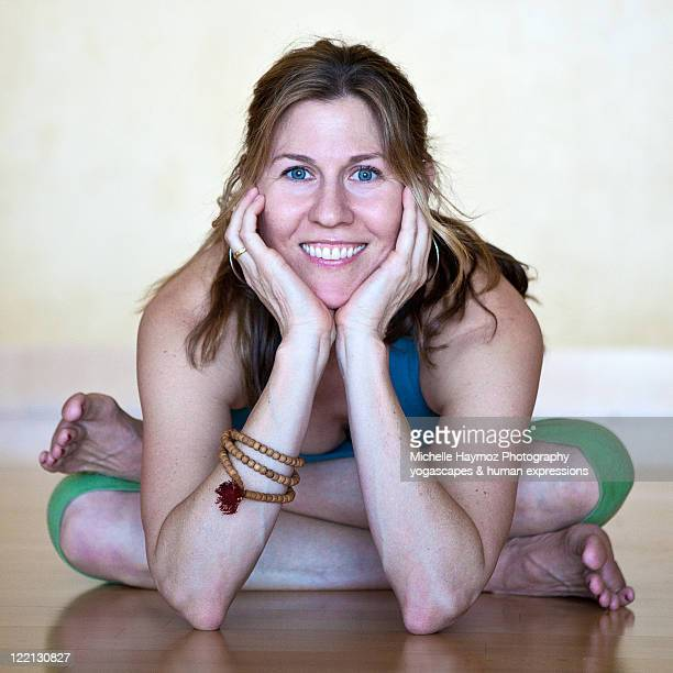 Ashtanga Yogini in agni stambasana