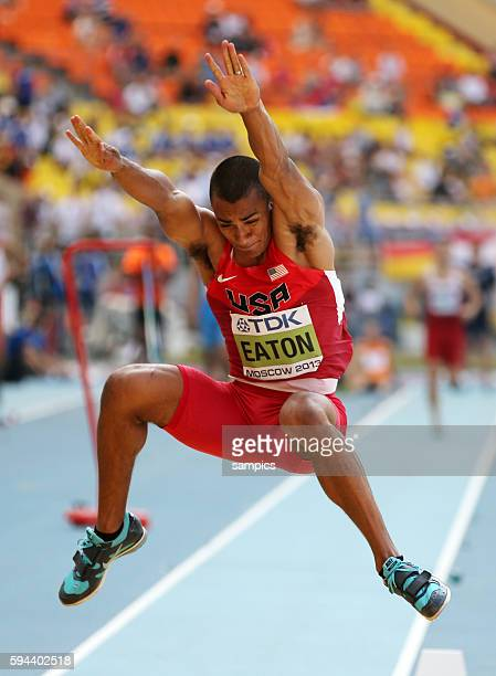 Ashton Eaton USA beim Weitsprung Zehnkampf Decathlon men Männer Leichtathletik WM Weltmeisterschaft Moskau 2013 IAAF World Championships athletics...
