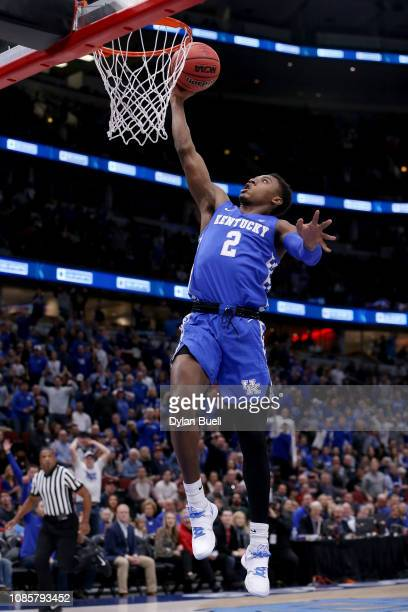 Ashton Hagans of the Kentucky Wildcats attempts a layup in the first half against the North Carolina Tar Heels during the CBS Sports Classic at the...