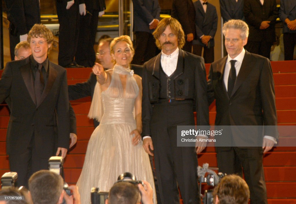 Ashton Holmes, Maria Bello, Viggo Mortensen and David Cronenberg