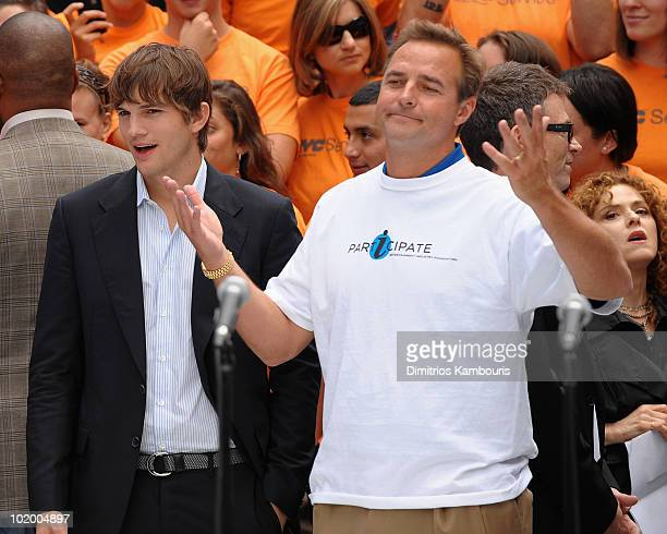 Ashton Kutcher and Al Leiter attend the Entertainment Industry Foundation's volunteer initiatives kick off in Duffy Square on September 10 2009 in...