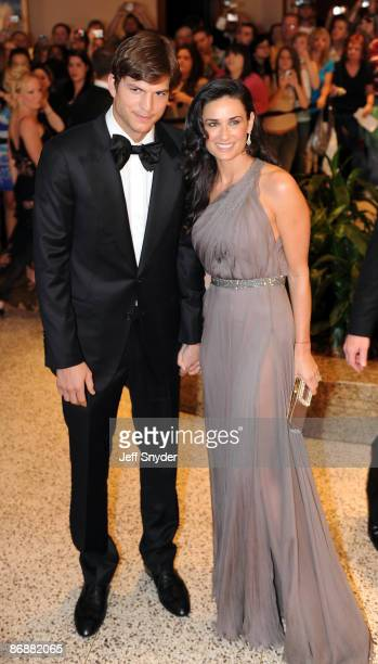 Ashton Kutcher and Demi Moore attend the 2009 White House Correspondents' Association Dinner at the Washington Hilton on May 9 2009 in Washington DC