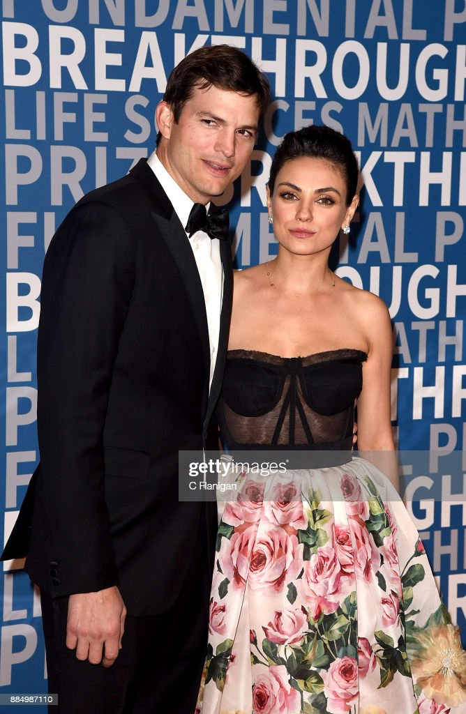 6th Annual Breakthrough Prize - Arrivals : Fotografia de notícias