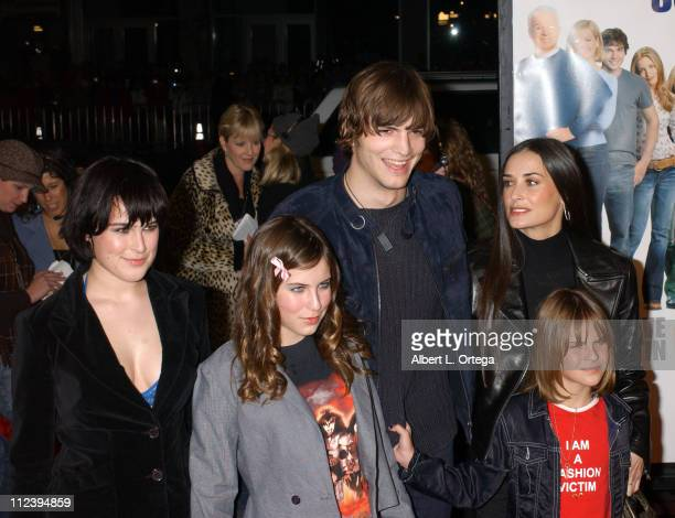 Ashton Kutcher Demi Moore with daughters Rumer Scout and Tallulah Belle