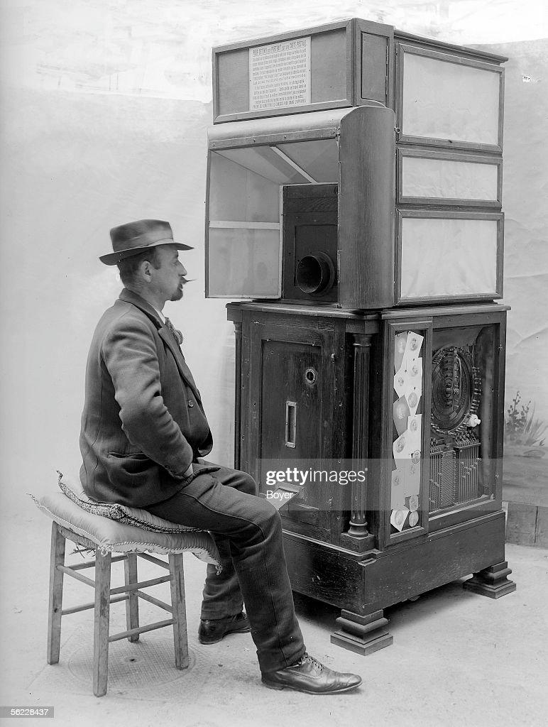 Ashton-Wolff automatic photograph (ancestor of the : News Photo