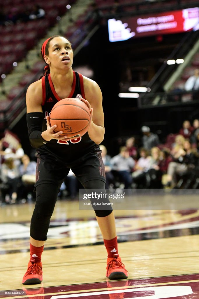 COLLEGE BASKETBALL: JAN 24 Women's Louisville at Florida State : News Photo