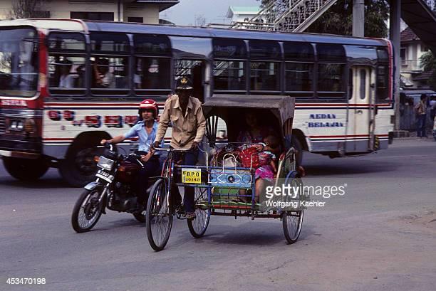 Asia Indonesia Sumatra Medan Street Scene Local Transportation