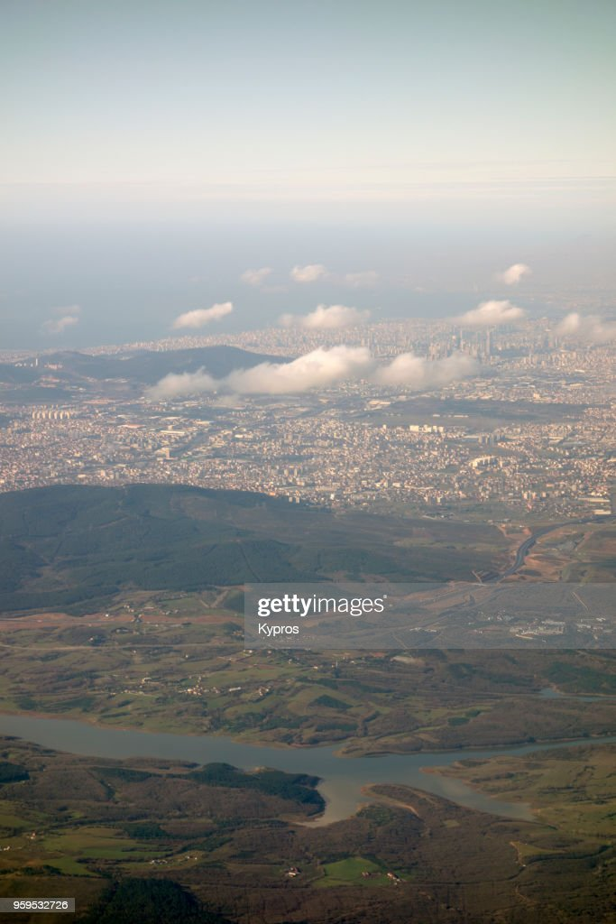 Asia, Turkey, Istanbul Area, 2018: Aerial View Of Istanbul Area Shortly After Take-Off (From Istanbul Airport) Showing Hundreds (Thousands) Of Apartment Buildings : Stock-Foto