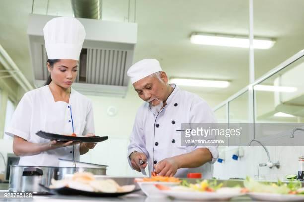 アジア シェフが、アジア料理