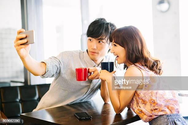 アジアカップル自分撮りを承っております。
