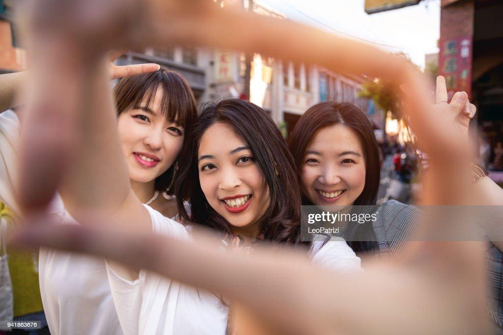 Meet friends in taipei