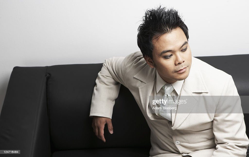 full-asian-man-in-suit