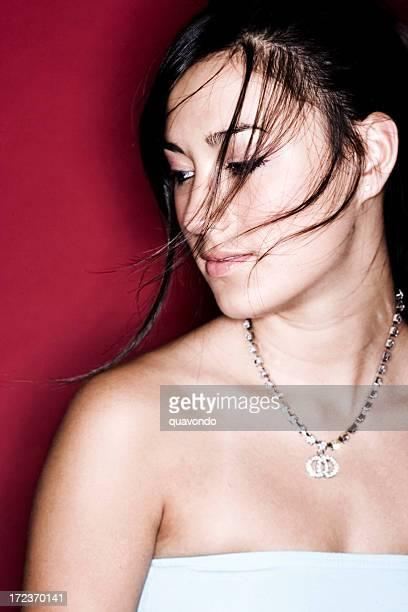 アジアのミックス美しい若い女性背、セクシーな夏の髪