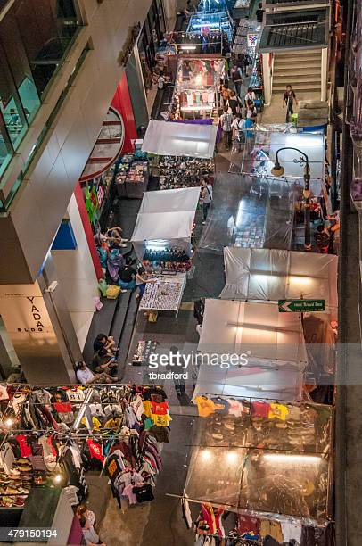 asian night market - bootlegger stock pictures, royalty-free photos & images