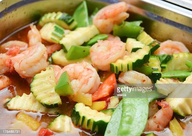 asian langostinos en vegetales en catering para Bufé