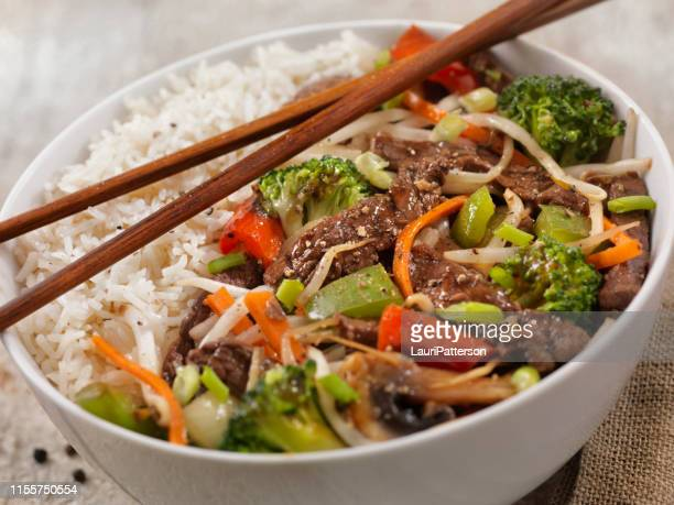 asian style peppered beef and vegetable rice bowl with oyster sauce - miso sauce stock pictures, royalty-free photos & images
