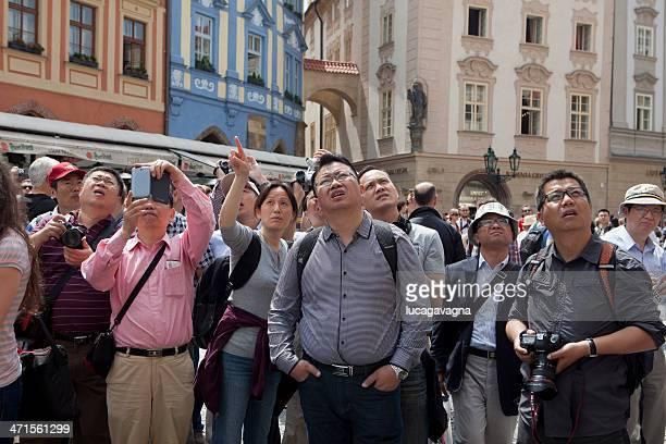 los turistas asiática - grupo de objetos fotografías e imágenes de stock