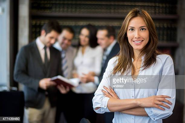 asian woman leading a group - law office - fotografias e filmes do acervo