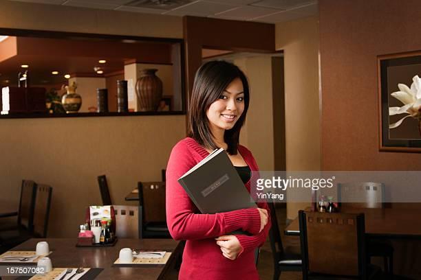 Asiatische Frau Restaurant Kleinunternehmen Eigentümer, Veranstaltungen oder Maitre D