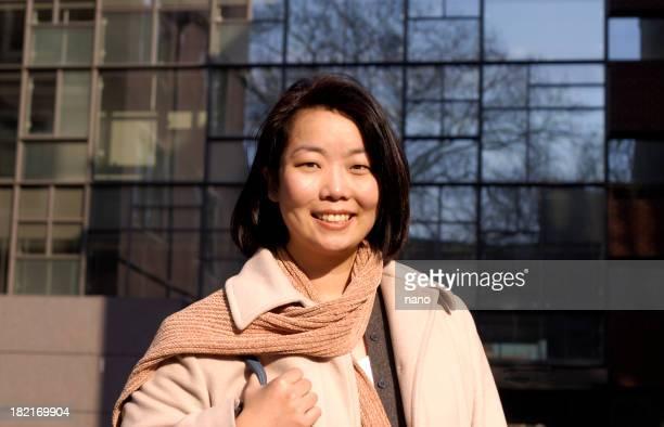 Asiatische Frau Arbeiten