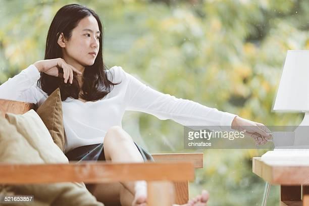 Asiatische junge Frau