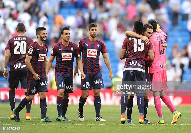 Asier Riesgo Gonzalo Escalante and Mauro Dos Santo of SD Eibar celebrate after drawing 11 against real Madrid in the La Liga Match between Real...