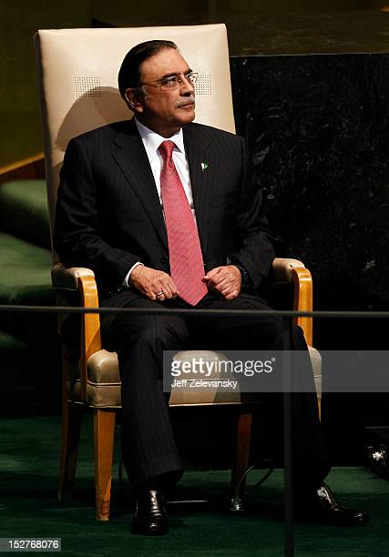 Asif Ali Zardari, President of the Islamic Republic of Pakistan, prepares to address the 67th UN General Assembly meeting on September 25, 2012 in...