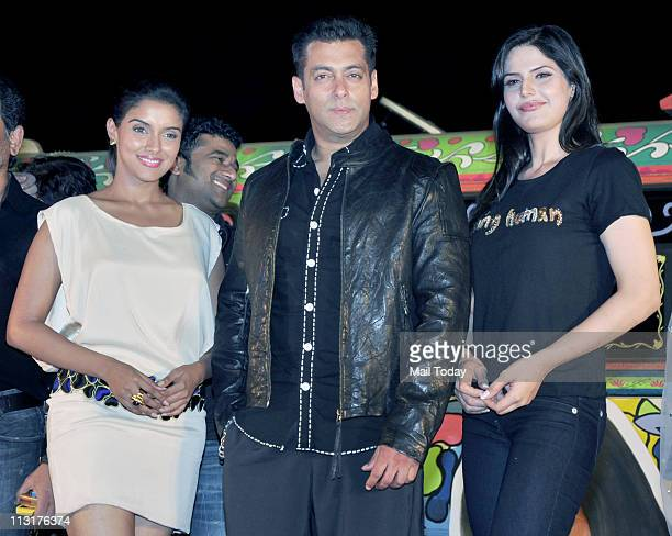Asin Salman Khan and Zarine Khan at the music launch of the film 'Ready' at Filmcity in Mumbai
