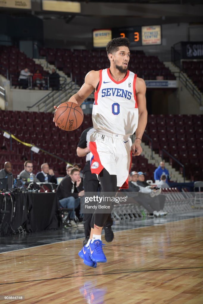 Askia Booker #0 of the Delaware 87ers dribbles the ball during NBA G League Showcase Game 26 between the Reno Bighorns and the Delaware 87ers on January 13, 2018 at the Hershey Centre in Mississauga, Ontario Canada.