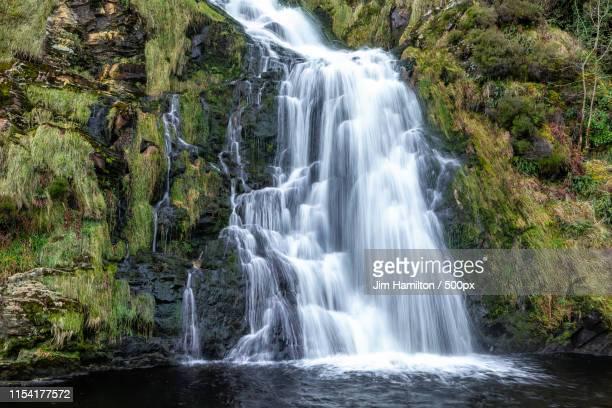 assaranca waterfall,donegal,ireland - contea di donegal foto e immagini stock