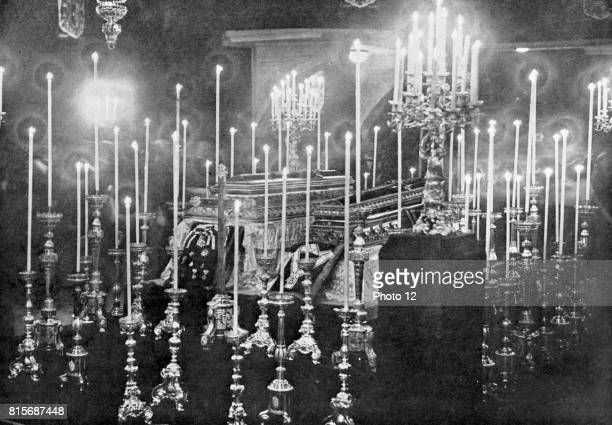 Assassination of Archduke Francis Ferdinand 18631914 heir to the Austrian throne at Sarajevo 28 June 1914 The coffins of Franz Ferdinand and...