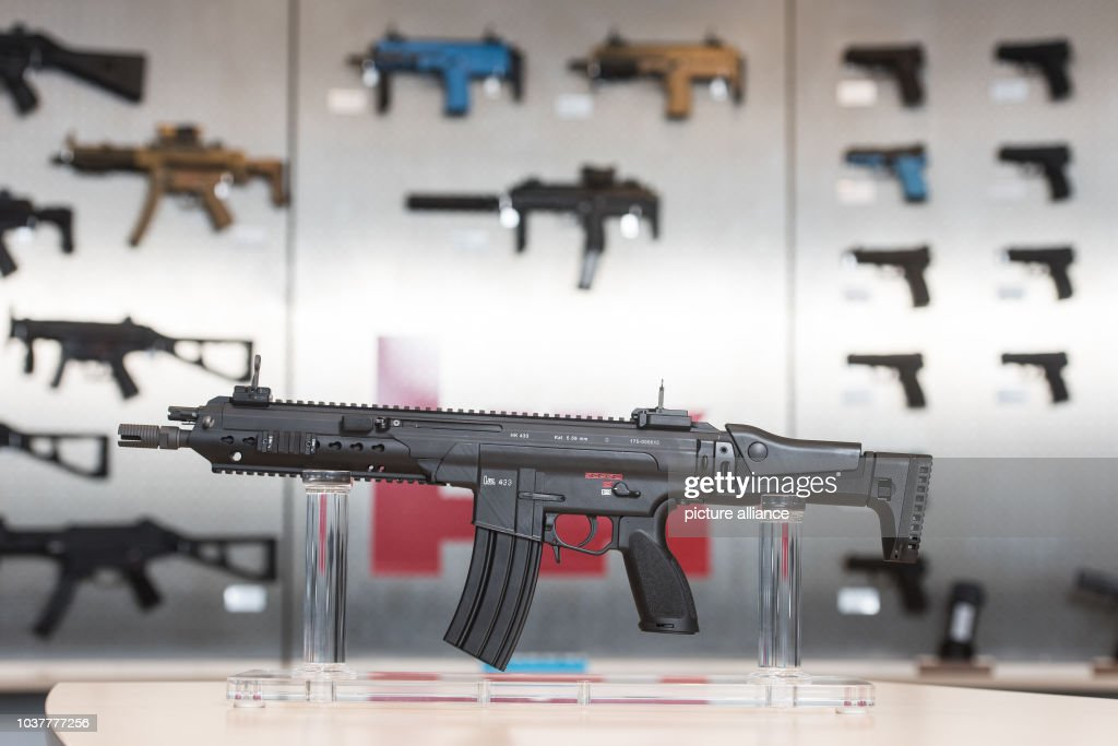 A HK 433 assault rifle from the German weapons manufacturer Heckler