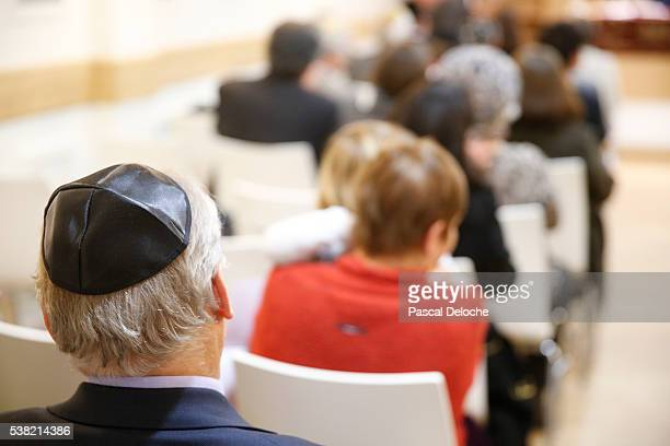 assembly in a synagogue. - rabbi stock pictures, royalty-free photos & images