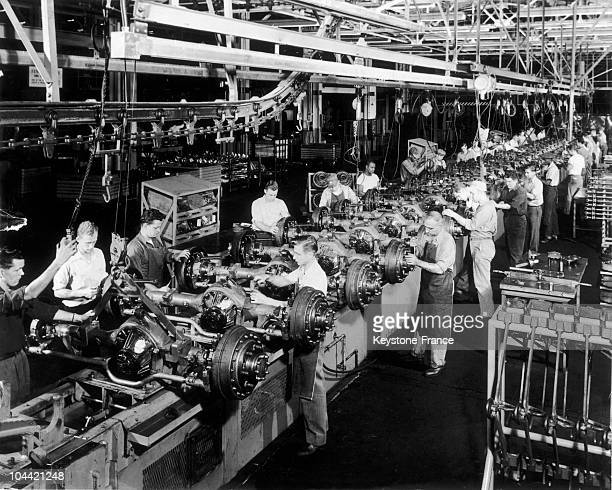 Assembly Line Of Chevrolet Cars In Cleveland Around 1960