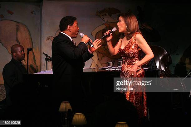 30061777AMarilyn McCoo and Billy Davis Jr performing at Cafe Carlyle on Tuesday night May 13 2008This imageWith the pianist Darrell Alston for The...