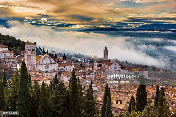 assisi cathedral and basilica of saint clare - umbria stock pictures, royalty-free photos & images