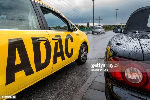 Unterstützung durch ein ADAC-Fahrzeug in Hamburg