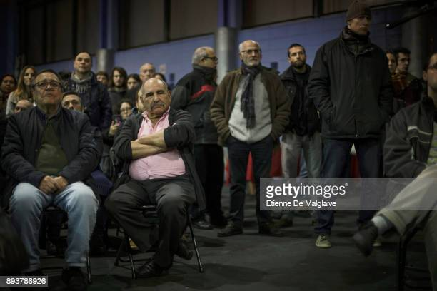 Assistance watching a meeting of En Comu Podem party ahead of Catalan Parliament election on December 15 2017 in Barcelona Spain