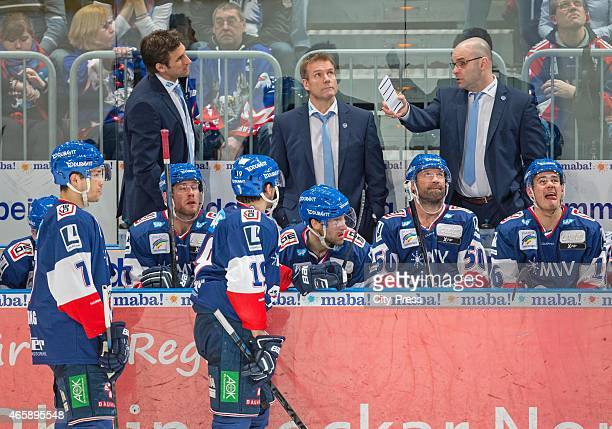 assistant Coach Craig Woodcroft of the Adler Mannheim gives instructions during the game between Adler Mannheim and Thomas Sabo Ice Tigers on March...