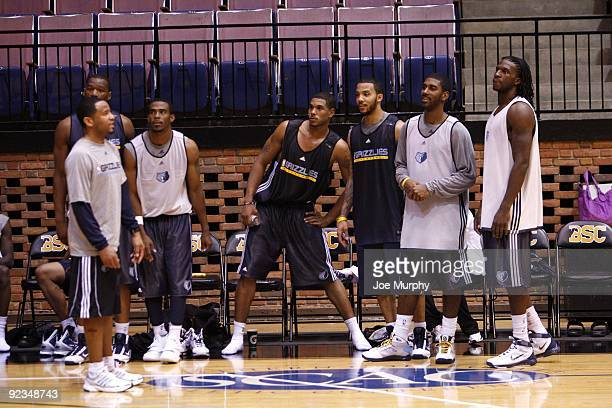 Assistant coach Damon Stoudamire Sam Young Mike Conley Leon Rodgers Marcus Williams OJ Mayo and DeMarre Carroll of the Memphis Grizzlies during the...