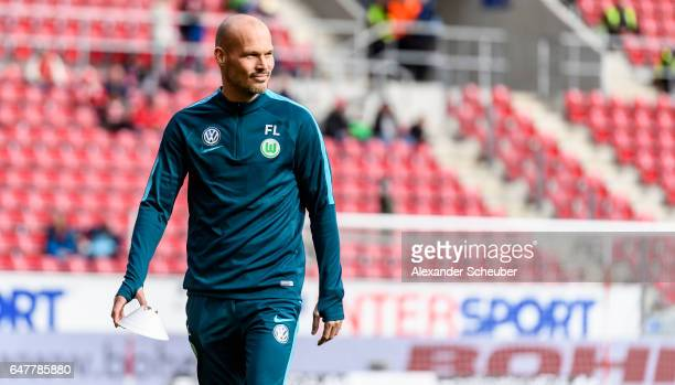 Assistant coach Fredrik Ljungberg of Wolfsburg is seen during the Bundesliga match between 1 FSV Mainz 05 and VfL Wolfsburg at Opel Arena on March 4...