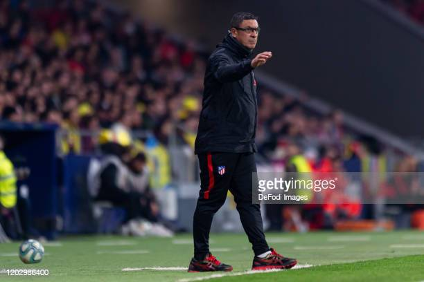 Assistant coach German Burgos of Atletico de Madrid gestures during the Liga match between Club Atletico de Madrid and Villarreal CF at Wanda...