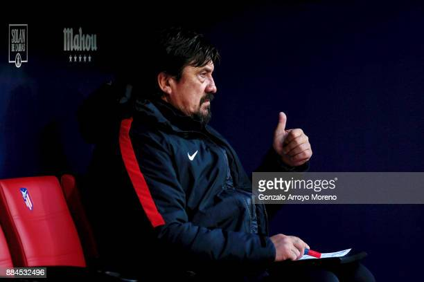 Assistant coach German Burgos of Atletico de Madrid thumbs up from the bench prior to start the La Liga match between Club Atletico Madrid and Real...