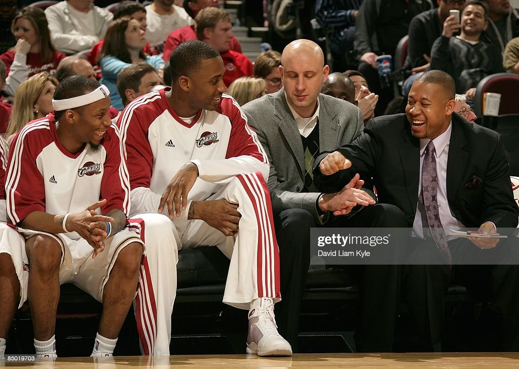 Assistant Coach Melvin Hunt of the Cleveland Cavaliers talks to his players (L-R) Tarence Kinsey #8, Lorenzen Wright #55, and Zydrunas Ilgauskas #11 during the game against the Sacramento Kings on January 27, 2009 at Quicken Loans Arena in Cleveland, Ohio. The Cavaliers won 117-110.