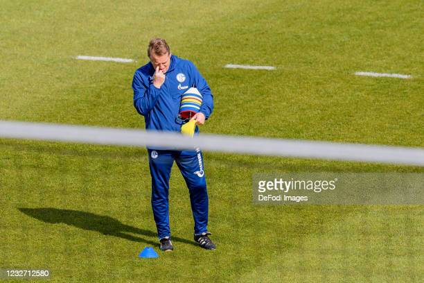 Assistant coach Mike Bueskens of FC Schalke 04 looks on during the FC Schalke 04 Training Session on May 03, 2021 in Gelsenkirchen, Germany.