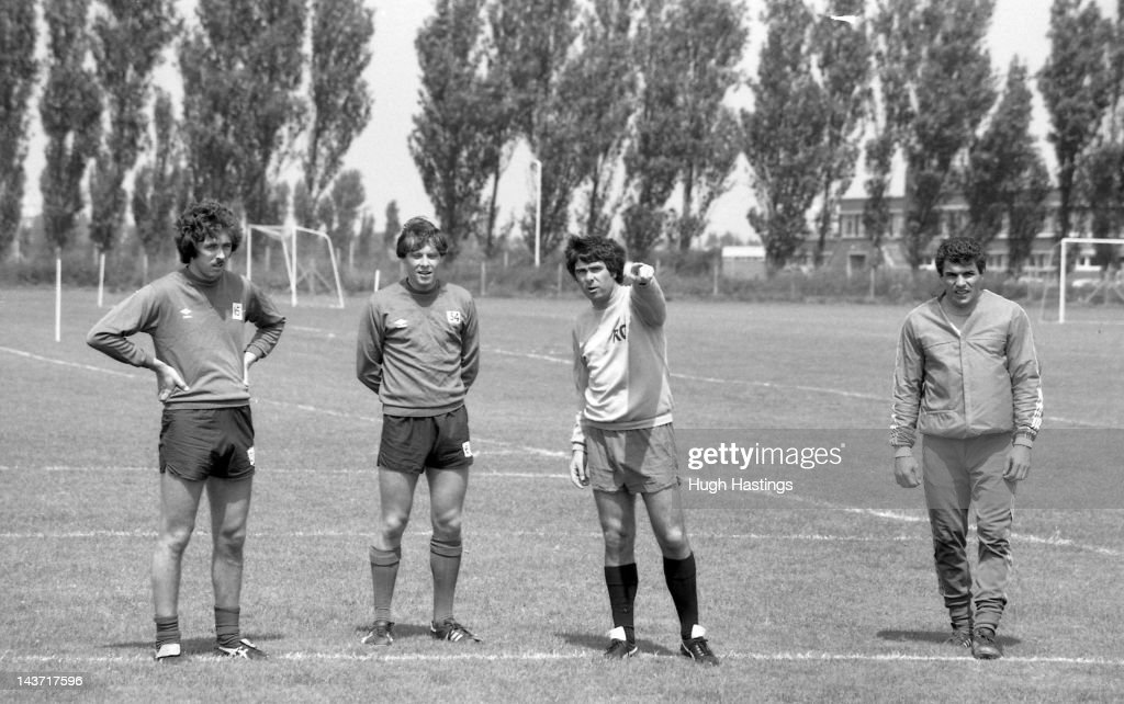 Assistant Manager Bobby Gould of Chelsea takes the players through their exercises during pre-season training at the Harlington Training Ground during August 1980 in London,England.