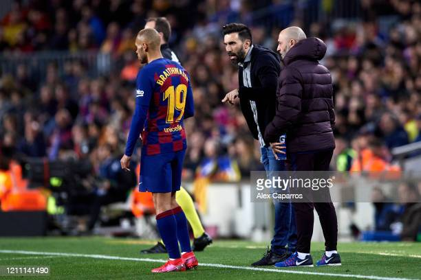 Assistant Manager Eder Sarabia of FC Barcelona gives instructions to Martin Braithwaite during the Liga match between FC Barcelona and Real Sociedad...